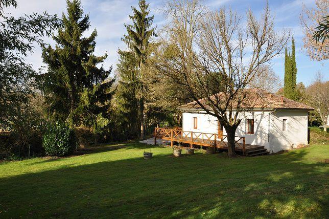 Location vacance lignan de bordeaux maison du lac for Location de maison bordeaux
