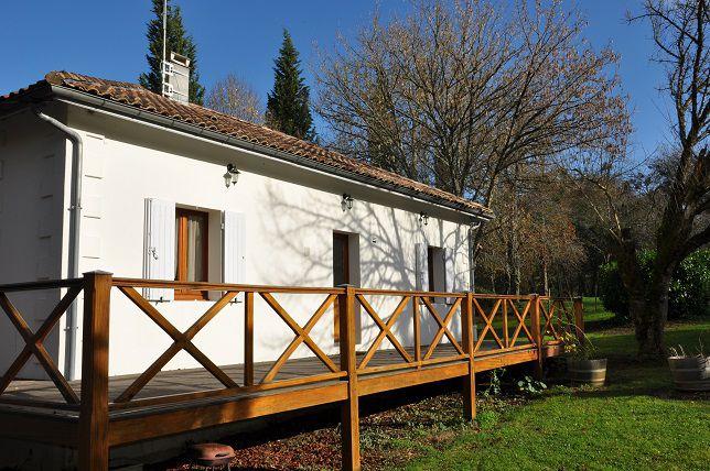 Location vacance lignan de bordeaux maison du lac for La maison du lac streaming